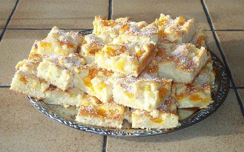 Kuchen mit schmand und ananas